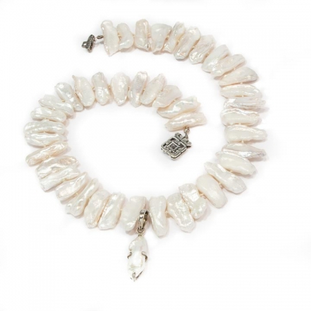 Knotted White Biwa Pearl Pendant Necklace