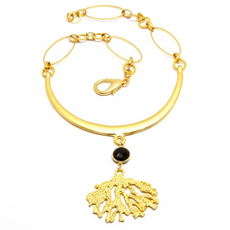 Gold Neck Plate Necklace with Spinel Coral Pendant